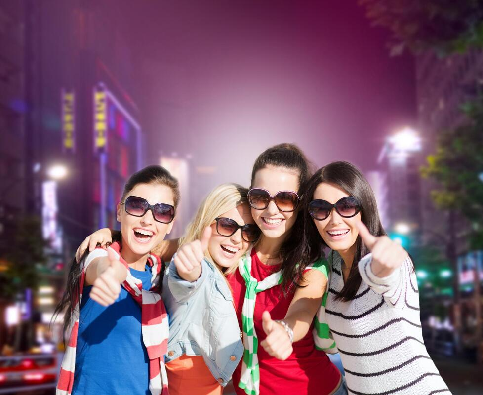 girls wearing a sunglasses